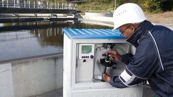Automatic water samplers for wastewater treatment, sewer systems, surface waters, rivers, stormwater